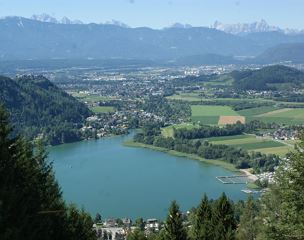 2 Et. Apartment Ossiacher See Blick